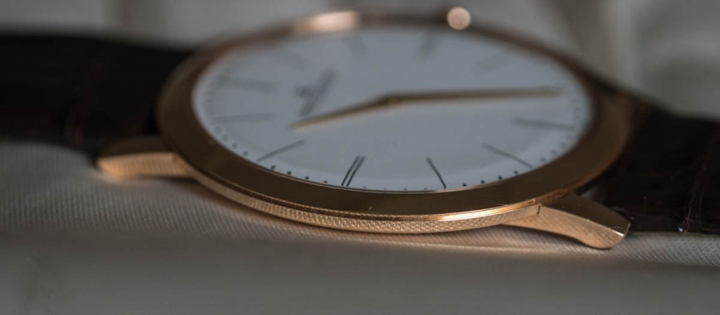 Jaeger-LeCoultre-Master-Ultra-Thin-1907-side
