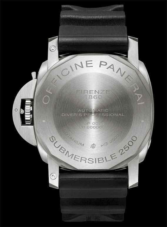 Panerai-Luminor-Submersible-1950-2500M-3-Days-Automatic-Titanio-47MM-back