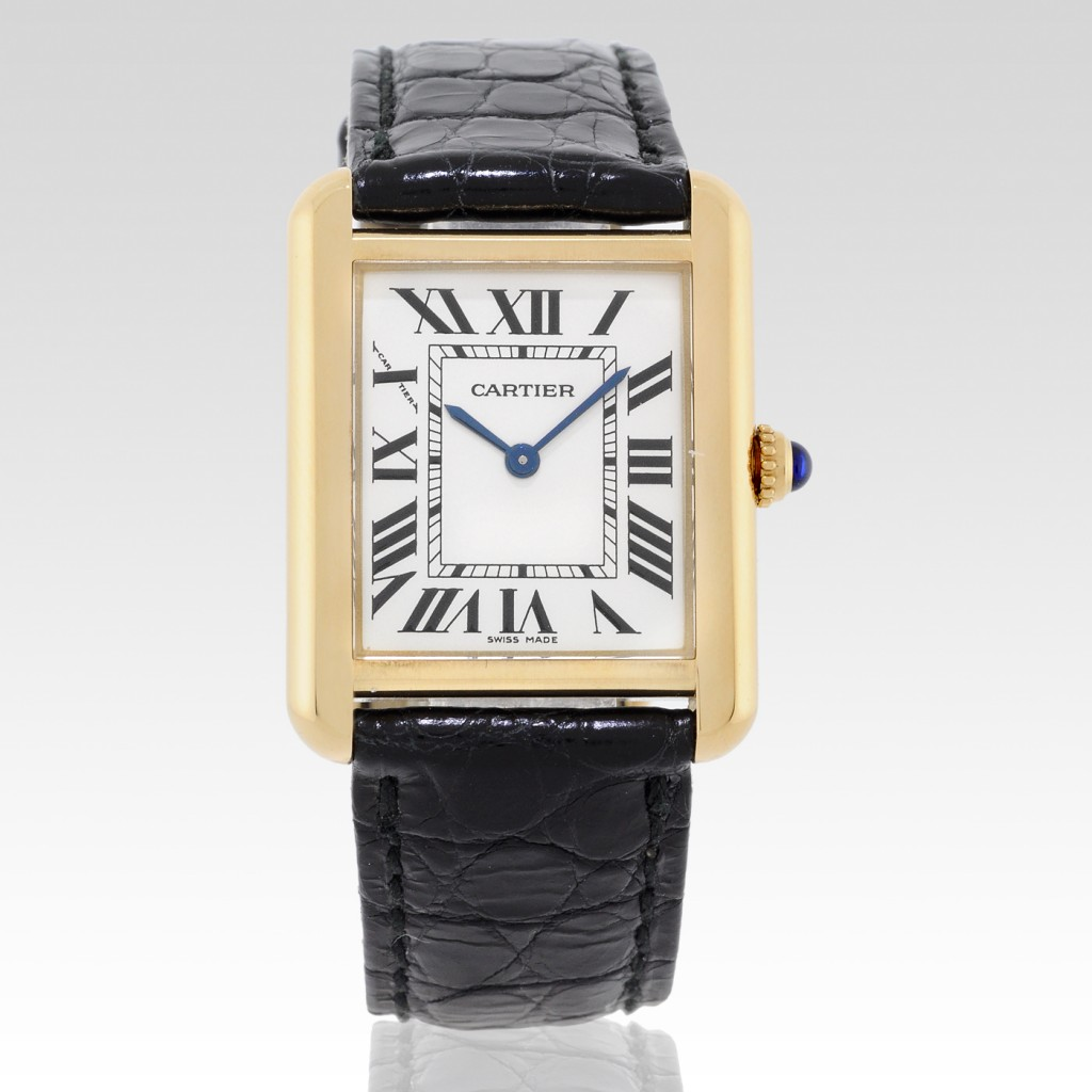 Angelina-Jolie-with-Cartier-Tank-Louis-18k-Gold_3