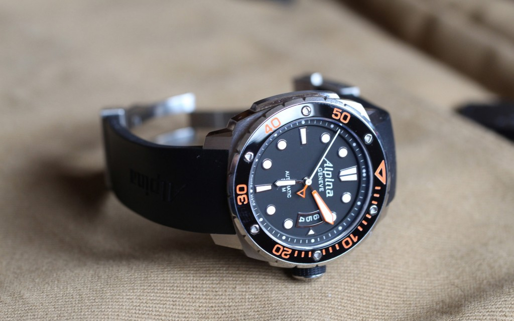 An-extreme-dive-watch---Alpina-Extreme-Diver-300_2