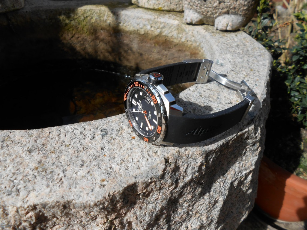 An-extreme-dive-watch---Alpina-Extreme-Diver-300_3