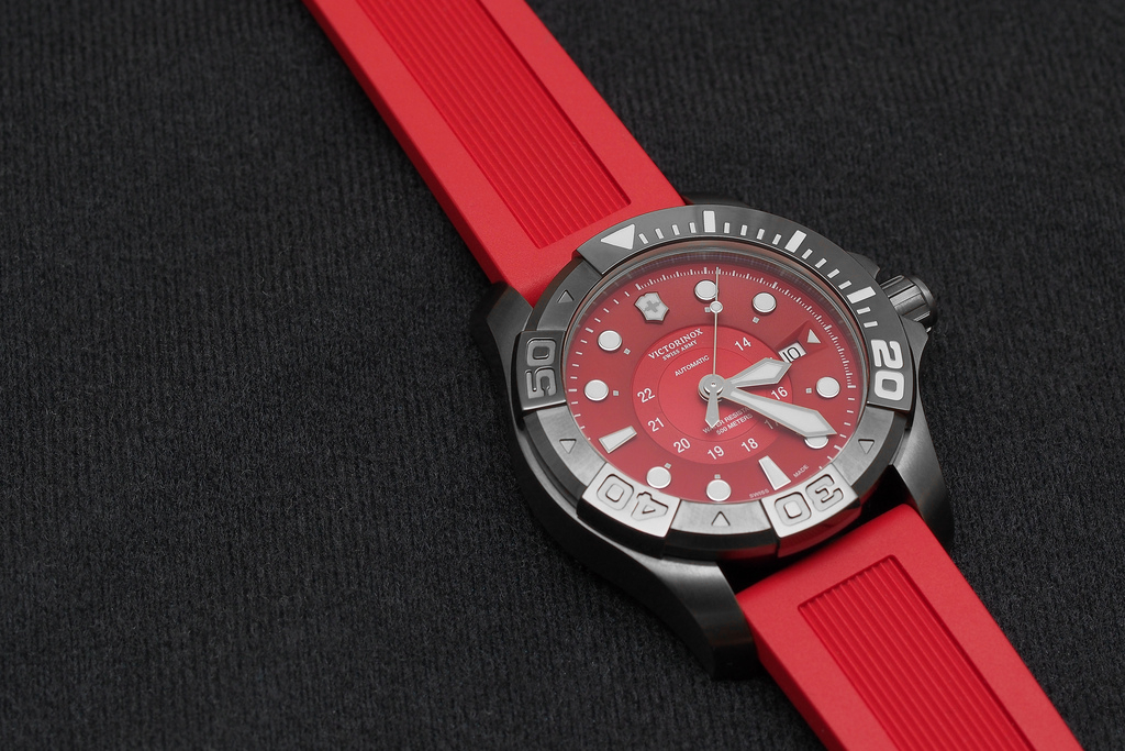 Dive-watch---Victorinox-Swiss-Army-Dive-Master-500M-collection_1