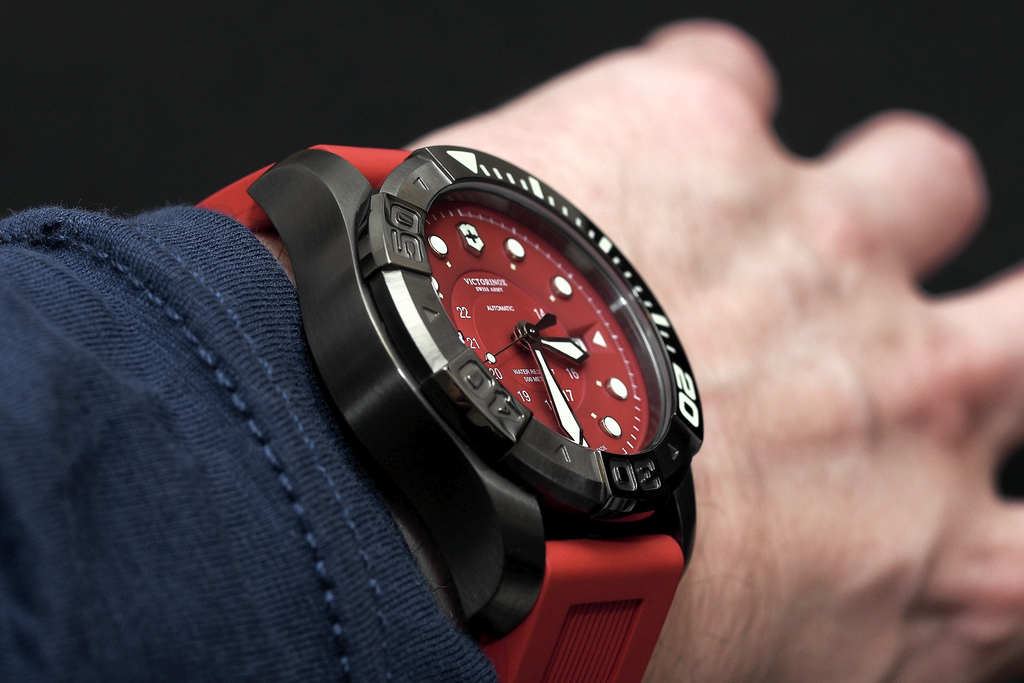 Dive-watch---Victorinox-Swiss-Army-Dive-Master-500M-collection_3
