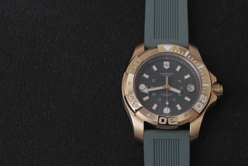 Dive-watch---Victorinox-Swiss-Army-Dive-Master-500M-collection_4
