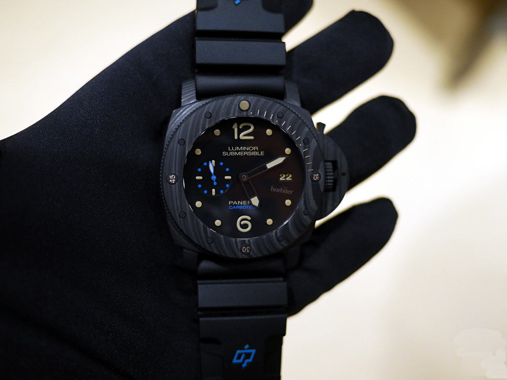 Panerai-Luminor-Submersible-1950-Carbotech-3-Days-Automatic_5