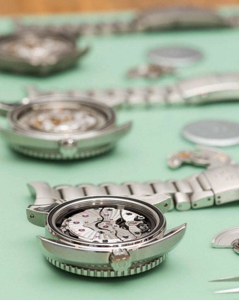 Omega-Seamaster-Watch-Movements-compared-11